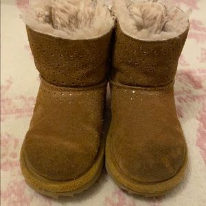 Toddler girl uggs with bow